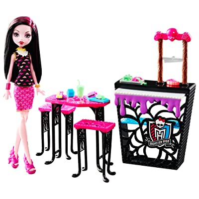 Monster High Beast Bites Cafe Draculaura Doll & Playset: Toys & Games