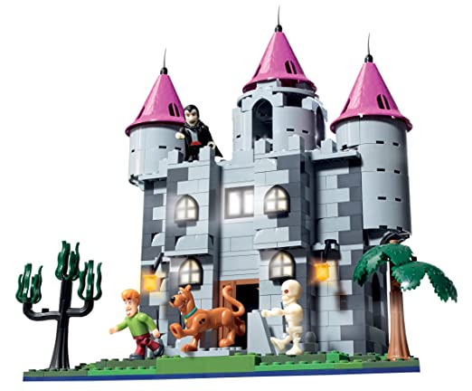 Character Building Scooby Doo Draculas Castle Playset: Amazon.co ...