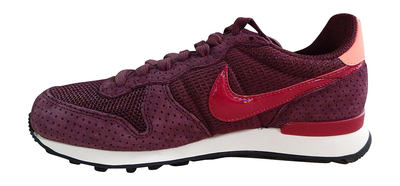 Nike Internationalist morado