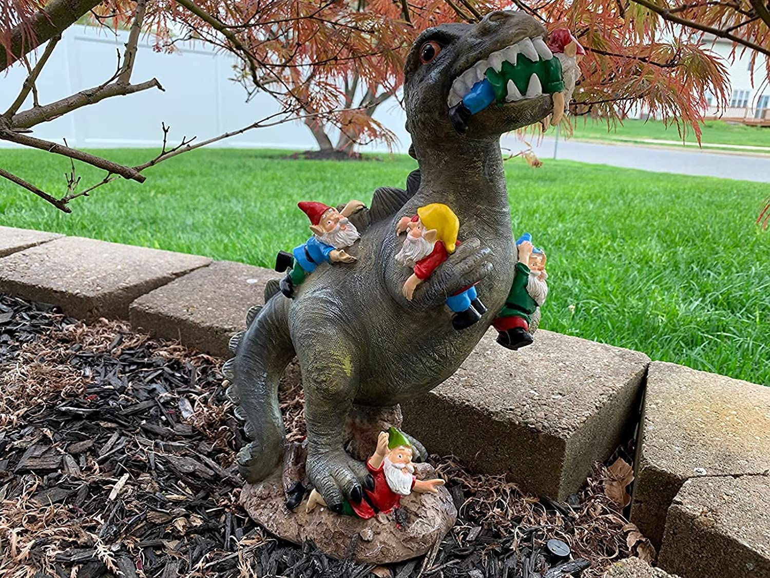 Garden Dinosaur Eating Gnomes Massacre Statues Decor,Sturdy Funny Garden Ornaments for Outdoor Patio Lawn Yard