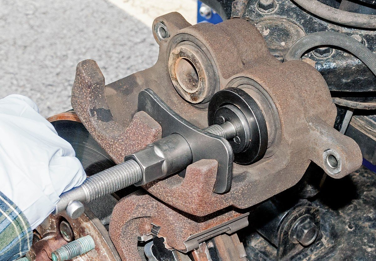 Brake Disc Caliper Wind Back Tool Kit - 35 Piece Universal Piston Rewind Set - Discs Break Pad Caliper Compressor Service Tools - by Jecr (Image #4)