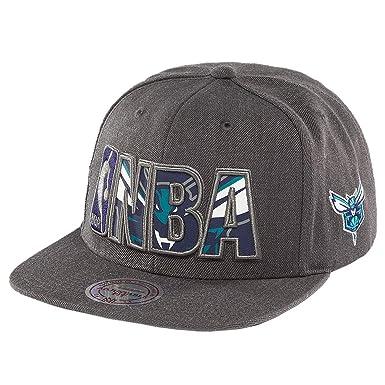 90b6239084b Mitchell   Ness Men Caps Snapback Cap Insider Reflective Charlotte Hornets  Grey Adjustable  Amazon.co.uk  Clothing