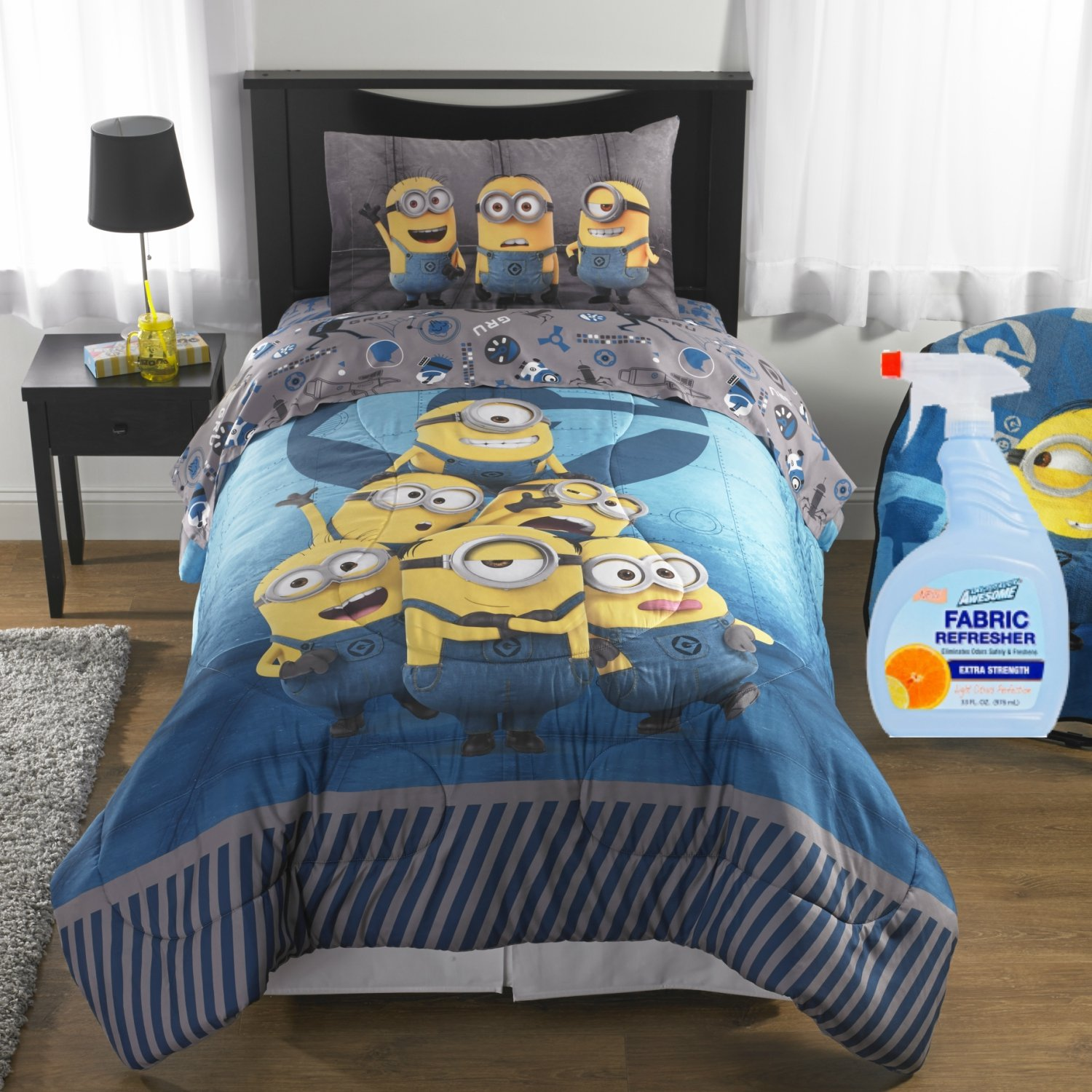 NEW! Minions Despicable Me Follow Mel Kids Bedding 5-Piece Full Reversible Comforter Set with Fabric Refresher