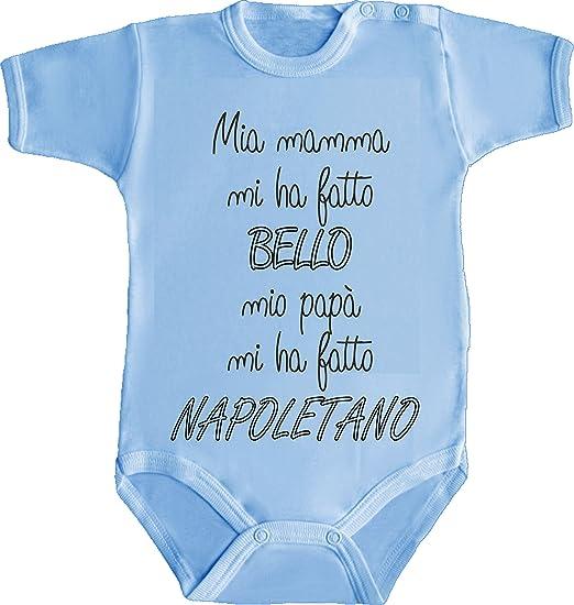 ... Pigiama - MIA Mamma Mi HA Fatto Bello Papa  Napoletano Napoli Azzurri  Humor Divertenti Infanzia Nascita Neonato Made in Italy  Amazon.it   Abbigliamento d2319d0b3ba7