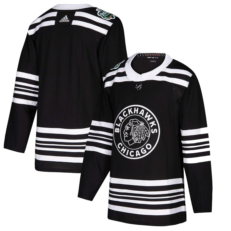 Amazon.com  adidas Men s Chicago Blackhawks Black 2019 Winter Classic  Authentic Jersey (50)  Clothing ca8c759d4
