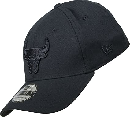 cdc3d4f8ea7 New Era Men Caps Flexfitted Cap NBA Black On Black Chicago Bulls 39Thirty  Black L XL  Amazon.co.uk  Clothing