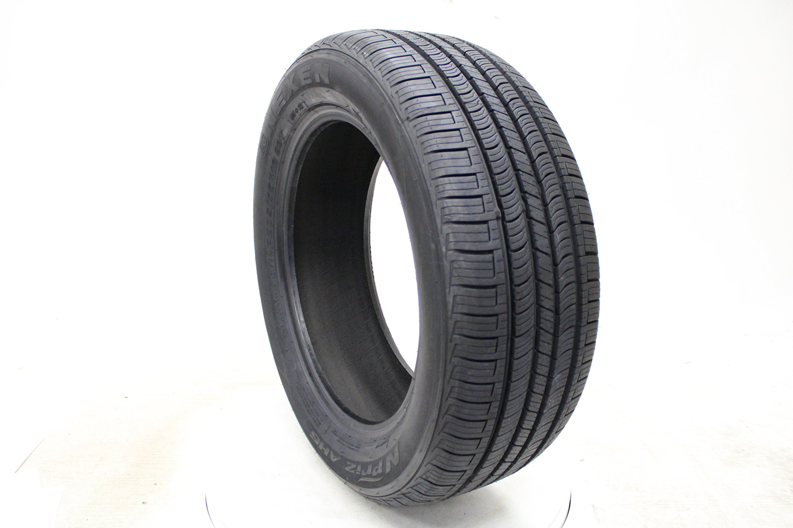 best tires for suv all season 2019 our top picks and buyer 39 s guide newsient. Black Bedroom Furniture Sets. Home Design Ideas