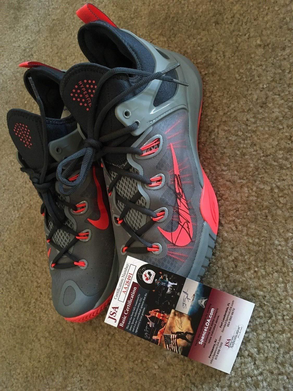 Giannis Antetokounmpo Greek Freak Milwaukee Bucks Autographed Signed Memorabilia Nike Shoes JSA