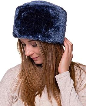 Futrzane Cappello di Pelliccia da Donna Russo Cosacco in Pelliccia di  Coniglio. Futrzane Cappello Di Pelliccia Da Donna Russo Cosacco ... fece9810235c