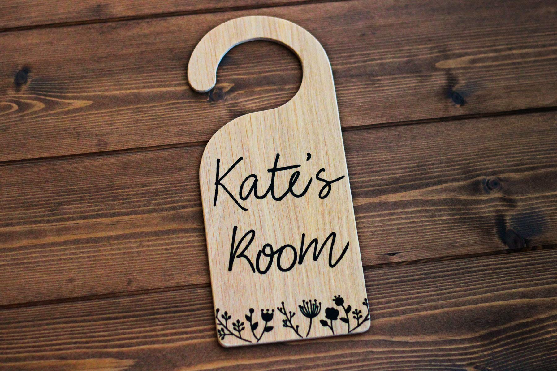 CELYCASY Wooden Door Hanger, Girls Room Decor, Personalized Girls Sign, Bedroom Sign, Nursery Decor, Newborn Gift, Woodland Decor, Custom Sign