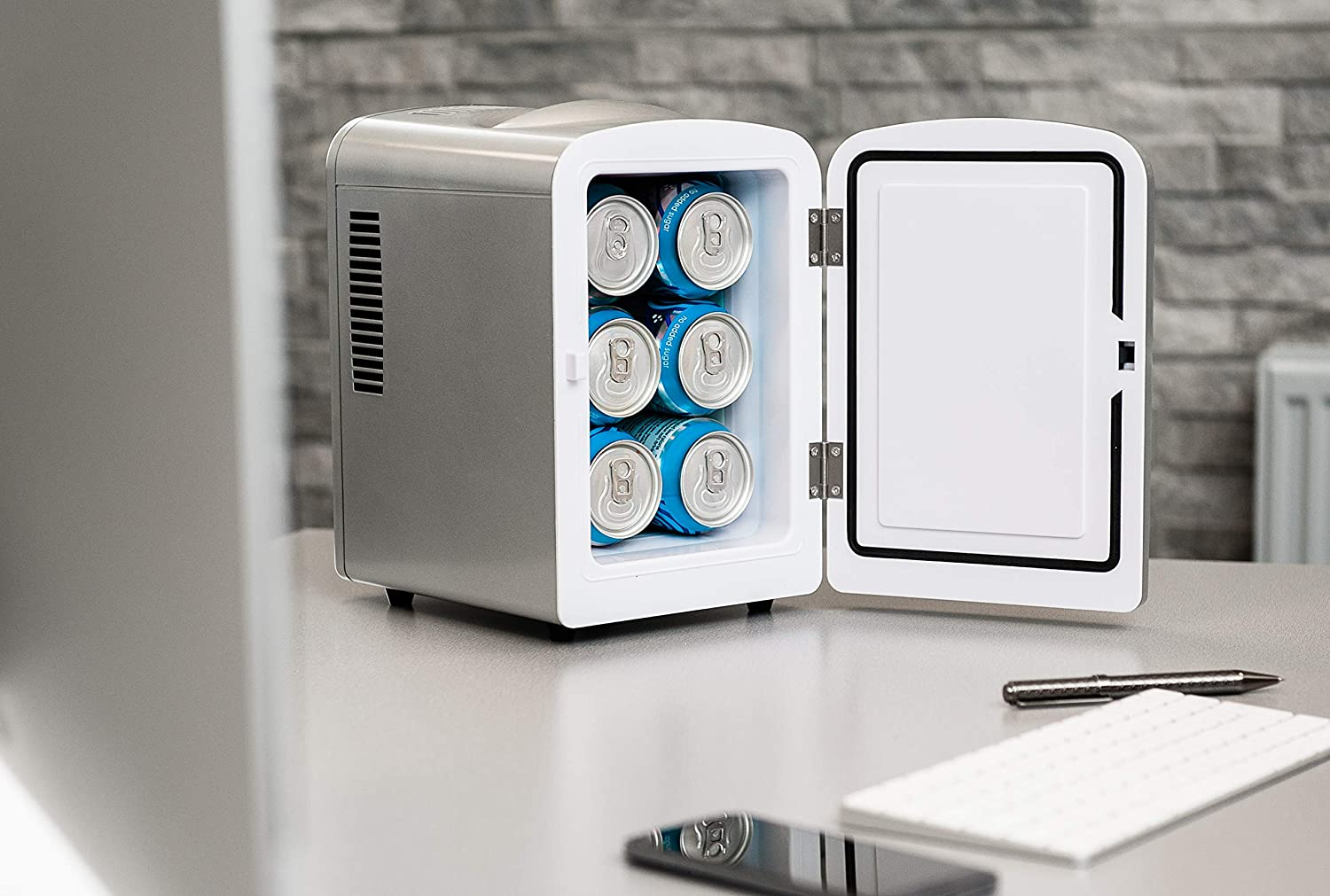Fineway Portable 4L Mini Fridge Cooler Chiller and Warmer -Ideal for Home Bedrooms Offices Camping Car Comes with DC 12V power cord Can Drinks Blue