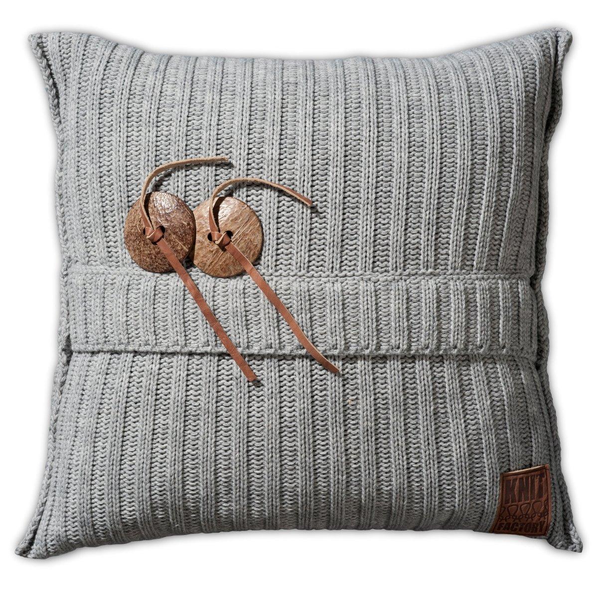 Knit Factory Dekokissen Strickkissen Aran   50 x 50 cm Grau (mit Füllung)