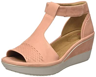 1456fba838e3 Clarks Women s Wynnmere Avah Peach Nubuck Leather Fashion Sandals-5 UK India  (38