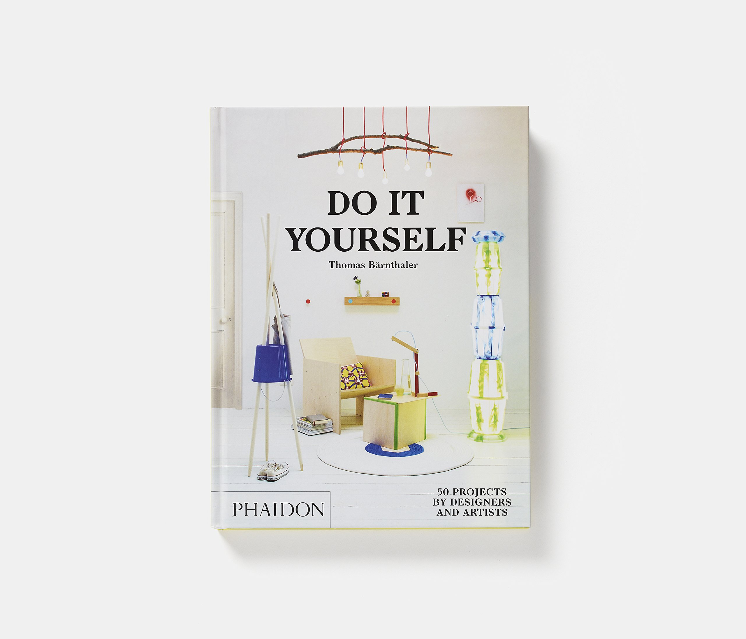 Do it yourself 50 projects by designers and artists thomas do it yourself 50 projects by designers and artists thomas brnthaler 9780714870199 amazon books solutioingenieria Gallery