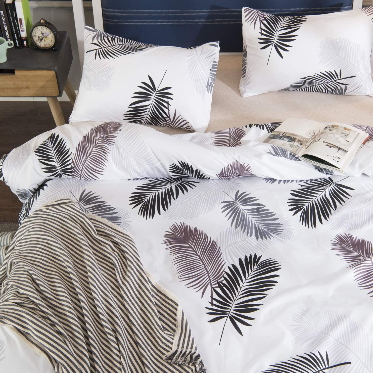 TEALP Duvet Cover Pillow Shams Cases Beddding Set 1800 Thread Count Microfiber Hotel Luxury Soft Breathable Home Deco 3pcs No Comforter No Sheet Black Feather Print on White, Queen