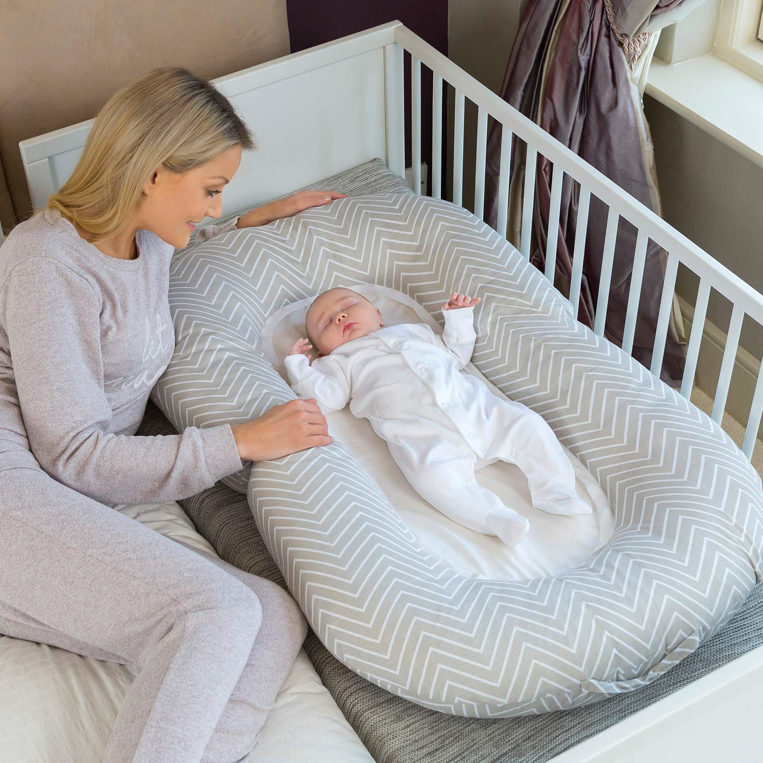 Clevamama Mum2Me Maternity Pillow and Baby Nest