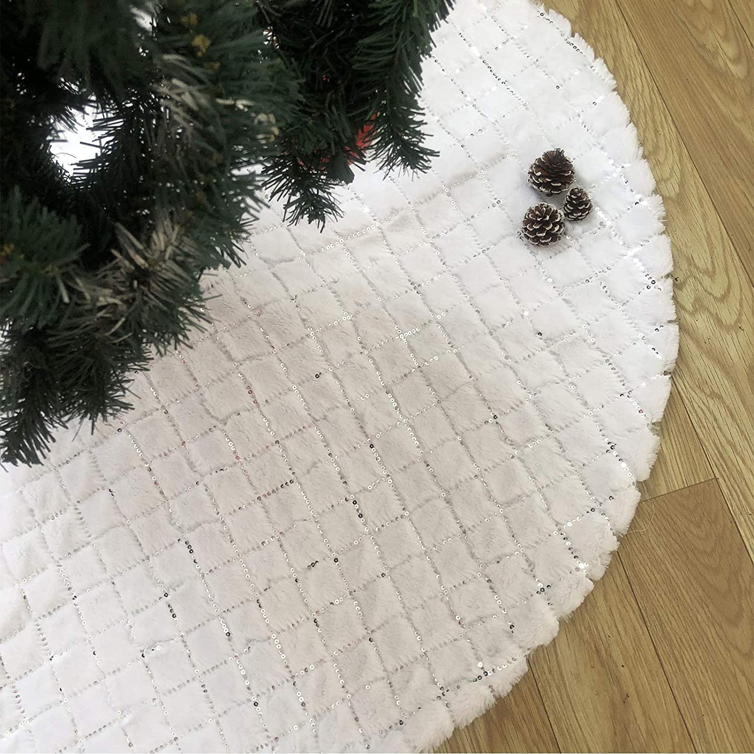 DegGod Pure White Christmas Tree Skirts with Sequin, 48 inches Plush Xmas Tree Skirt Mat with Faux Fur Trim Border for Thanksgiving Holiday Home Party Decorations Ornaments (Sequin, 48 inches)