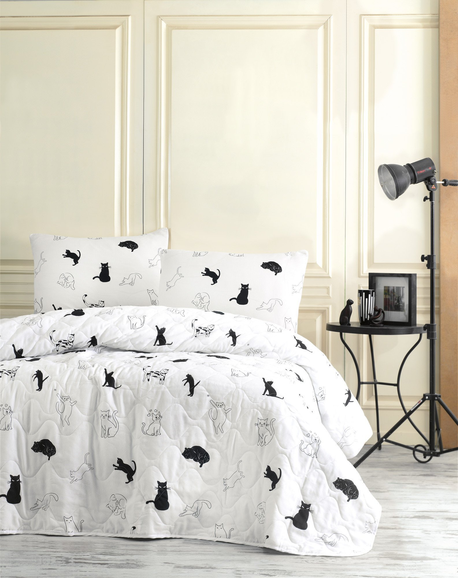 2 Pcs Twin and Single Bedroom Bedding Soft Colored [65% Cotton 35% Polyester (Cover)] / 100% FIBER (Filling) / Single Quilted Bedspread Set Soft Relaxed Design Comfortable Pattern Animal Cat Single Be