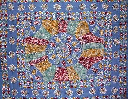 "Batik Tapestry Cotton Spread 106/"" x 70/"" Twin Red"