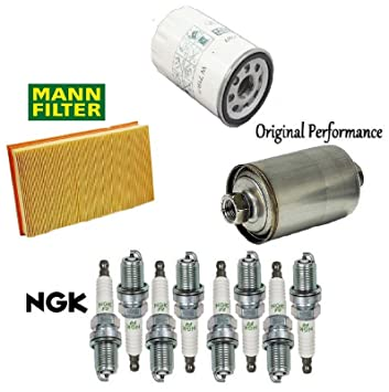 amazon com tune up kit air oil fuel filters plugs for jaguar xj8 rh amazon com 2003 jaguar xk8 fuel filter location 2003 jaguar xj8 fuel filter location