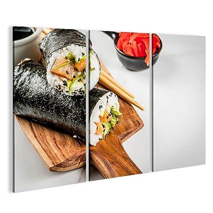 Quadro moderno Trend comida híbrido. Japonés, cocina asiatica. Sushi Comida Burrito con salmón