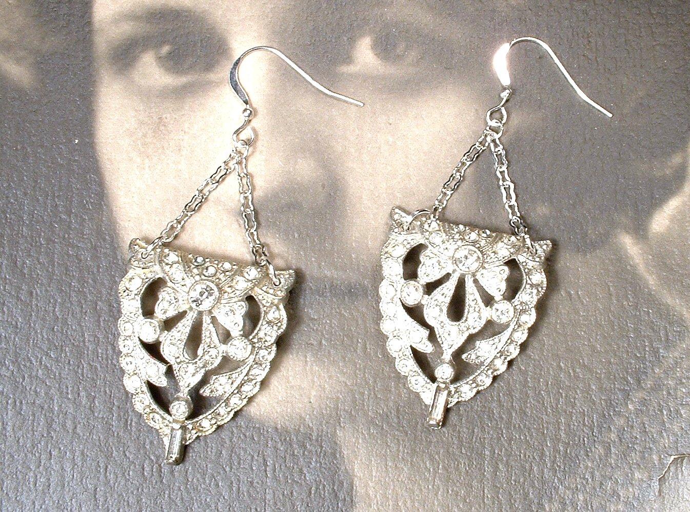 BREATHTAKING Vintage Authentic 1920s Art Deco Rhinestone earrings silver tone pot metal Flapper screw back earrings GATSBY wedding