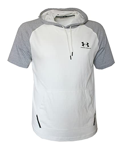 cde683465 Amazon.com: Under Armour Men's Short Sleeve Light Hooded Shirt Hoody:  Clothing