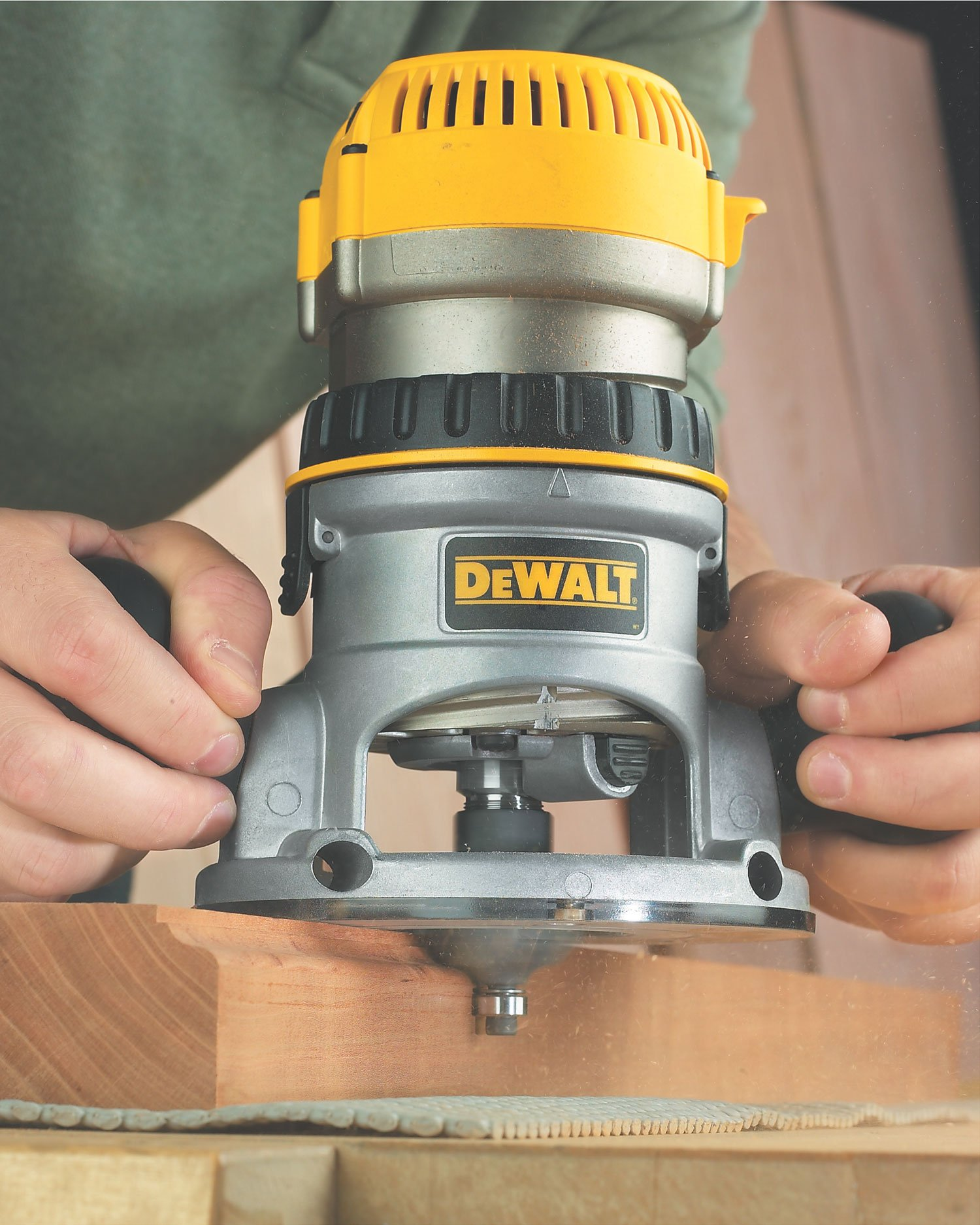 DEWALT DW618 2-1/4 HP Electronic Variable-Speed Fixed-Base Router by DEWALT (Image #2)