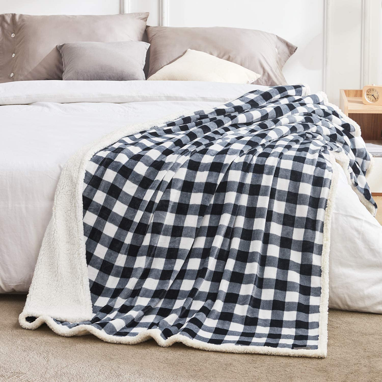 BEAUTEX Sherpa Fleece Throw Blanket
