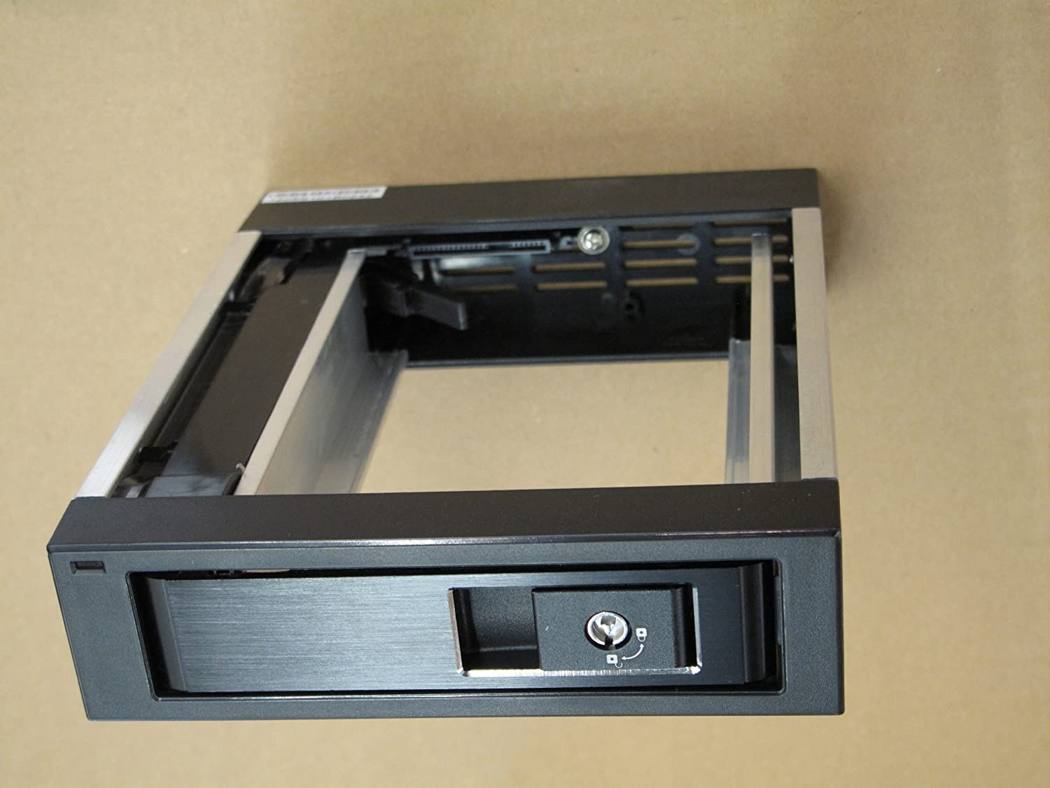 Tray-Less Venus 5.25 SATA Removable Mobile Rack for SDD//HDD