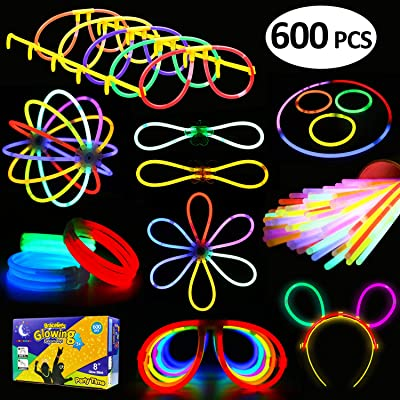 Funcorn Toys Glowstick, (600 Pcs Total) 250 Glow Sticks Bulk 7 Colour and Connectors for Bracelets Necklaces Balls Eyeglasses and More, Light up in The Dark Stick for Kid Party Birthday: Toys & Games