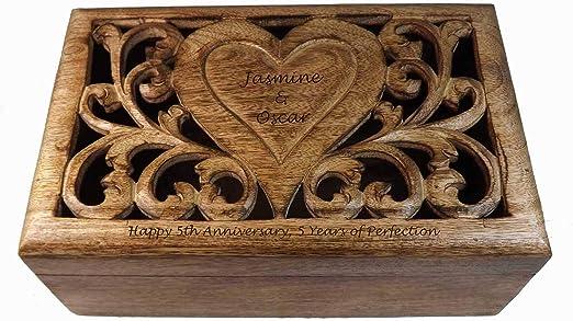 Caja de recuerdos de madera tallado con personalizada, Diseño de ...