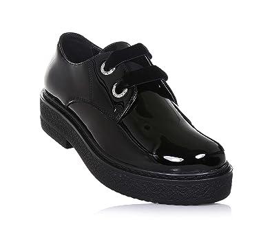 9d259ee3e2 CULT - Schwarzer Halbschuh mit Schnürsenkeln aus Lackleder, mit  Schnürsenkeln aus Samt, Mädchen,
