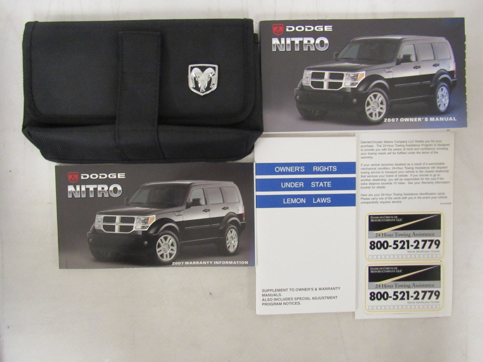 2007 dodge nitro owners manual book amazon com books rh amazon com 2007 Dodge Nitro Manual Transmission Dodge Nitro Manual Transmission