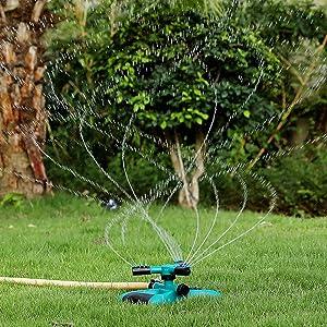 Gesentur Lawn Sprinkler, 360 Degree Rotating Garden Sprinkler with 3 Adjustable Arm, Automatic Water Sprinklers No Leak Design & Easy Hose Connector