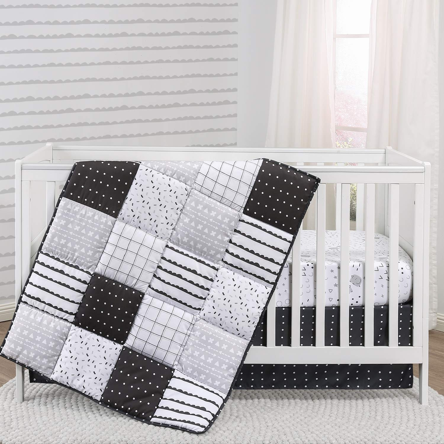 The Peanutshell Black and White Crib Bedding Set for Baby Boys or Girls | 3 Piece Nursery Set | Crib Quilt, Fitted Sheet, Dust Ruffle