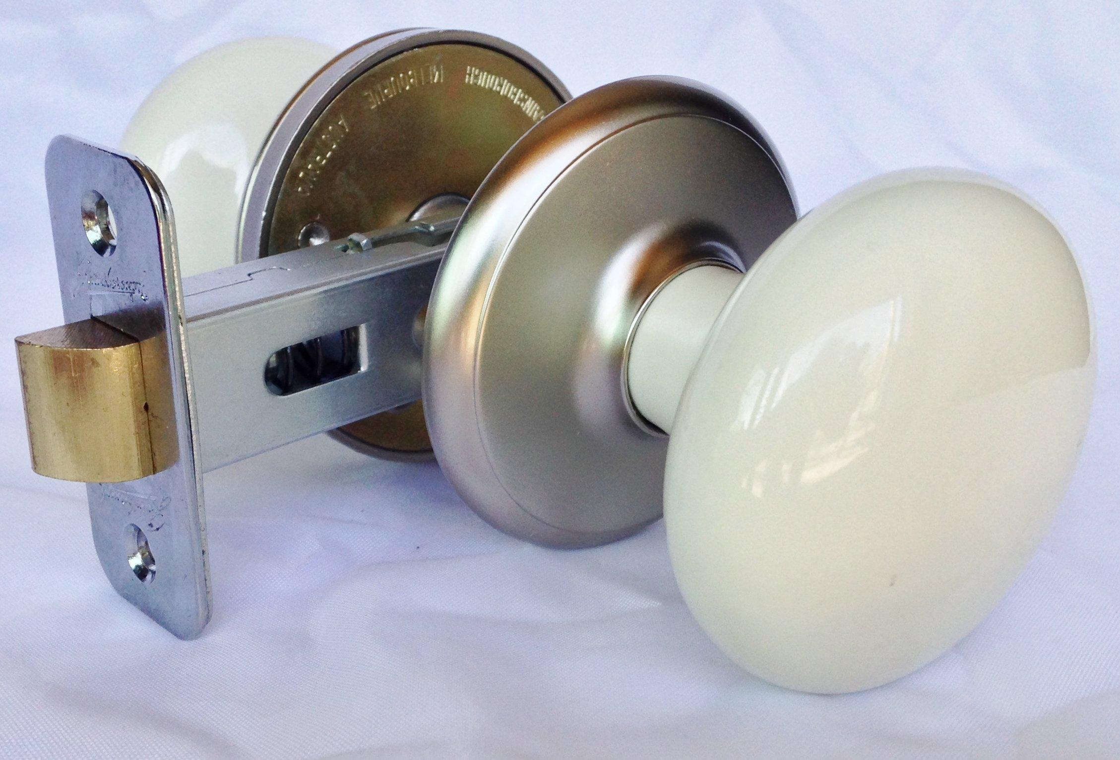 Ultra Hardware 88577 Gainsborough Porcelain Hall-Closet Door Knob, Satin Nickel