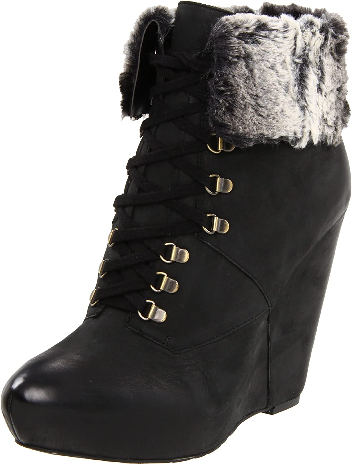 Boutique 9 Women's Daphnea Bootie