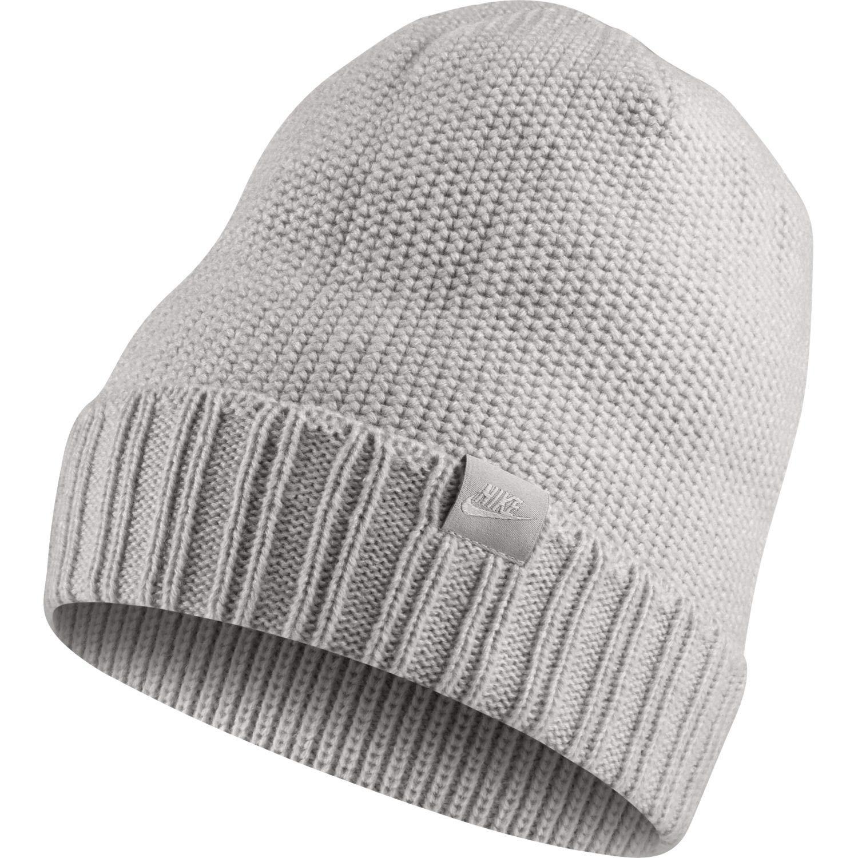 f98e0826f44 Amazon.com: Nike Unisex Honeycomb POM Knit Beanie Grey Heather/Wolf Grey  925417-050: Clothing