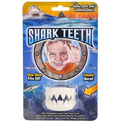 Rhode Island Novelty Great White Shark False Teeth Set: Toys & Games