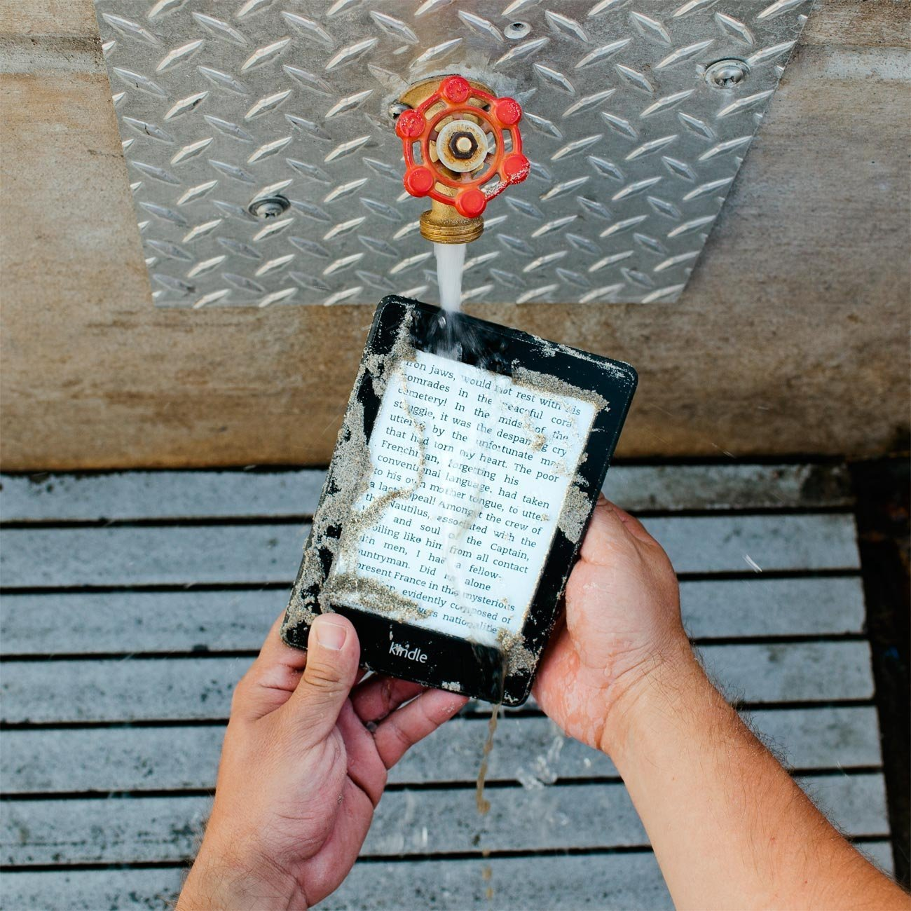 Amazon: Waterfi Waterproofed Ereader  Take Your Ebooks In The Pool,  Bath, Spa With No Case Needed (wifi Connectivity): Electronics