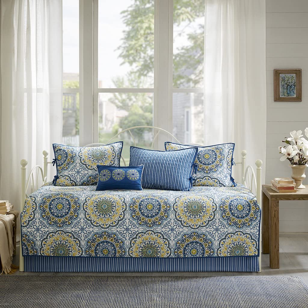 Madison Park Tangiers 6 Piece Reversible Quilt Set Coverlet Bedding, Day Size, Blue