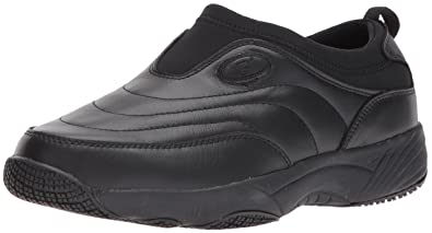 32136f54eb Propet Women s Wash N Wear Slip On Ll Walking Shoe sr Black 5 M US