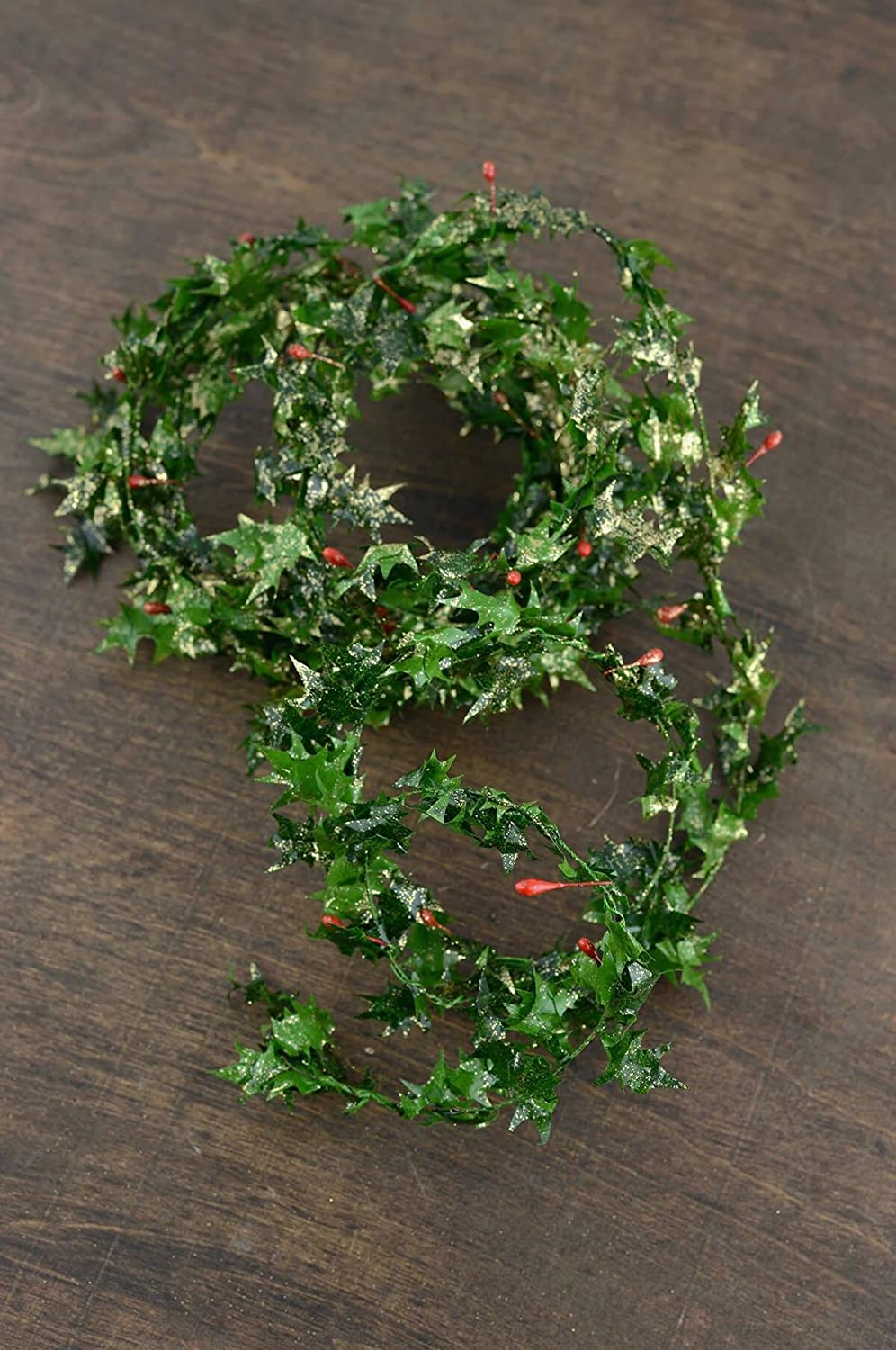 Richland Miniature Gold Glitter Holly Berry Roping Garland 9'