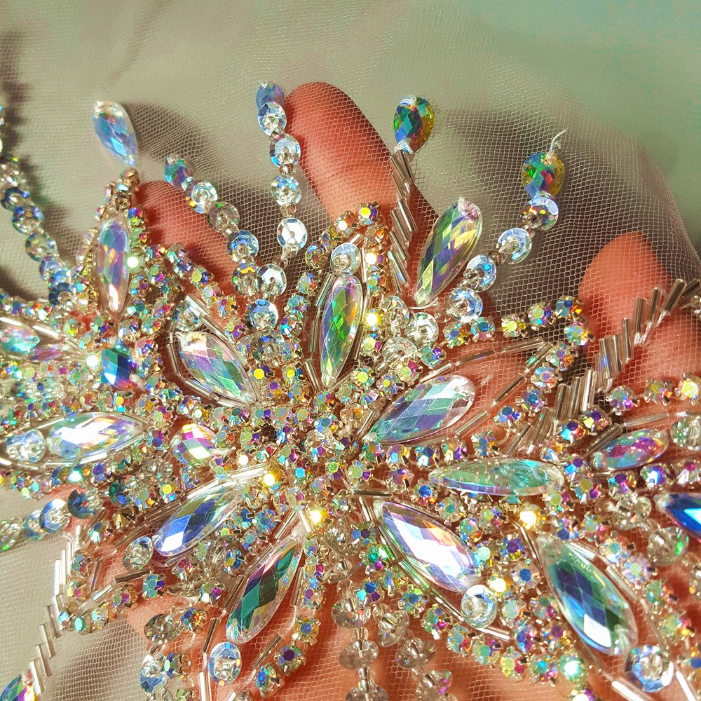 Exquisite Uniquely Pure Handmade Bright Crystal Patches Sew-on Rhinestones Applique with Stones Sequins Beads for Wedding Dress DIY Manual Accessories Belt Chest Waist Decoration Silver