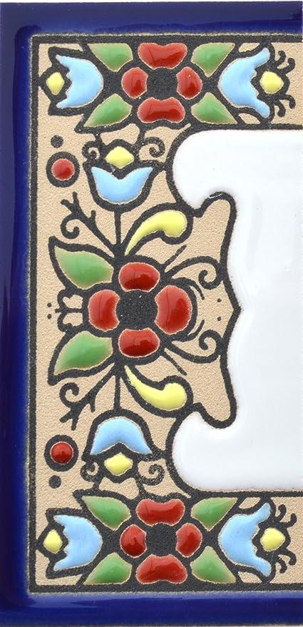 ESPACE BLANC cuerda seca Carreaux c/éramique peints /à la main avec technique corde s/èche Noms /Écriteaux num/éros et lettres directions et signalisation Dessin FLORES MINI 7,3 cm x 3,5 cm.
