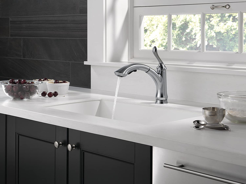 BQ delta linden kitchen faucet Delta Faucet AR DST Linden Single Handle Water Efficient Pull Out Kitchen Faucet Arctic Stainless Touch On Kitchen Sink Faucets Amazon com