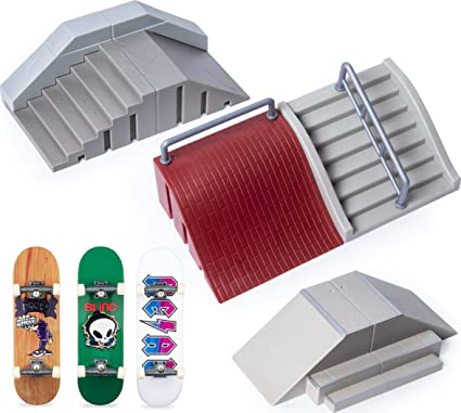Amazon Com Tech Deck Ultimate Street Spots Pack With 3 Fully Assembled Exclusive Boards Coast To Coast Edition Toys Games