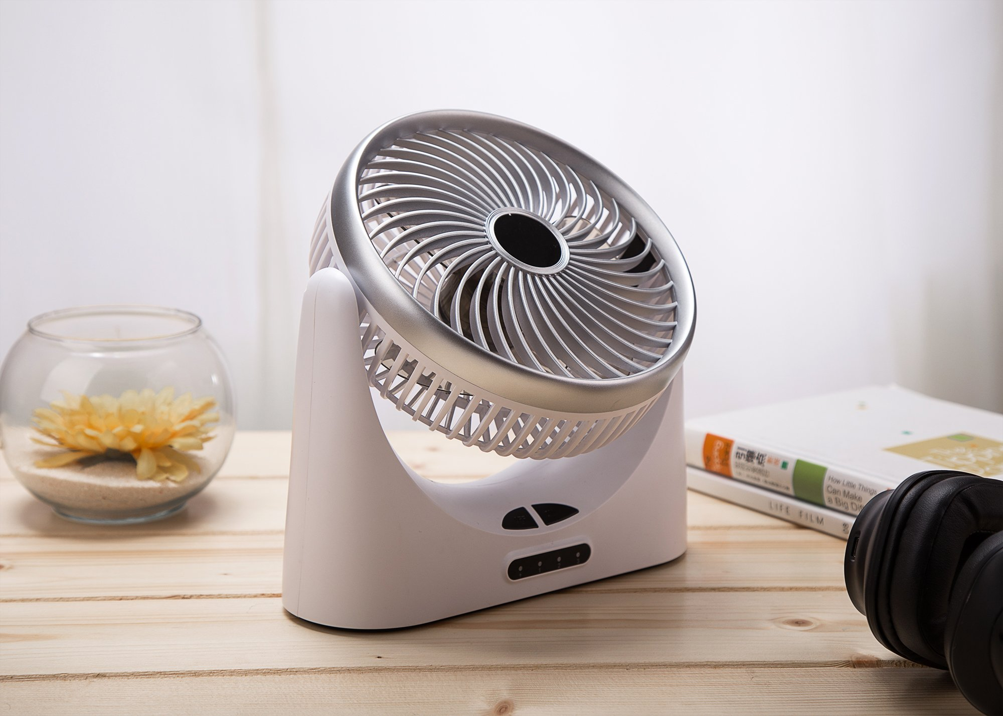 HCMAOE Mini USB Table Desk Personal Portable Air Circulator Fan 3 Speed, Lower Noise, Powered by USB or 4000mAh Rechargeable 18650 Battery with Power bank Function, Side LED Light for Office, (Silver) by HCMAOE (Image #9)