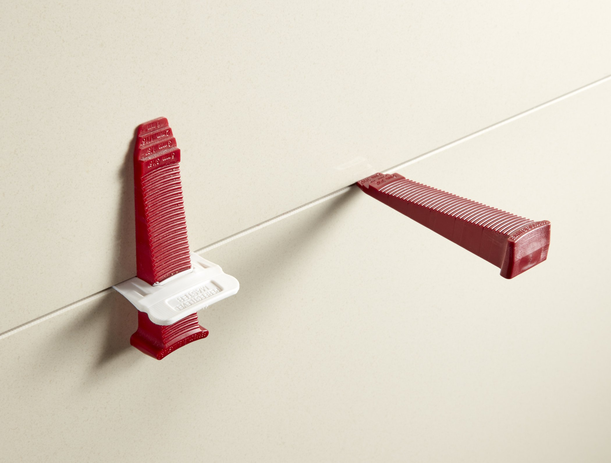 T-Lock ™ 1/16'' (2mm) 100 Clips '' PERFECT LEVEL MASTER ™ Professional '' Anti lippage '' Tile leveling system - (spacers only), Red wedges not included and sold separately! by Perfect Level Master ™ (Image #2)